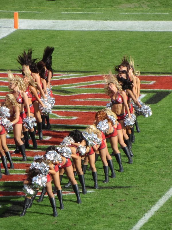Tampa Bucs cheerleaders