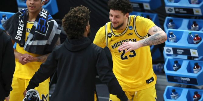 Michigan basketball: Depth will be a blessing for Wolverines